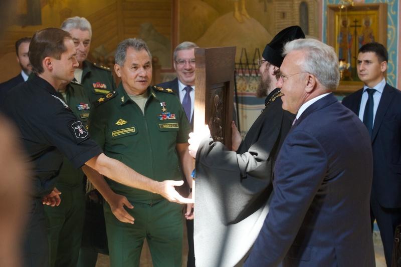 Руководитель министерства обороны Сергей Шойгу прибыл вКрасноярск