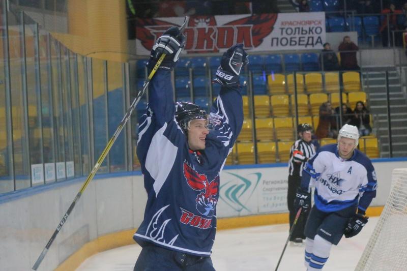 Чемпионат ВХЛ: красноярский «Сокол» одержал победу в заключительном домашнем матче