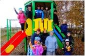 В селе Павловка Назаровского района открыли детскую игровую площадку