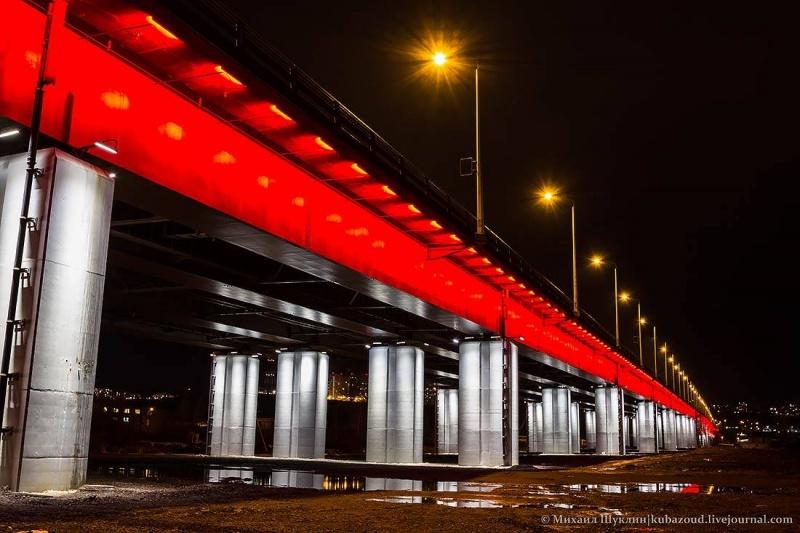 От «Сибмоста» требуют заменить фонарные столбы на4-м мосту