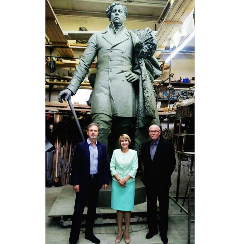 «Мощный» монумент первому енисейскому губернатору презентовали в столице России