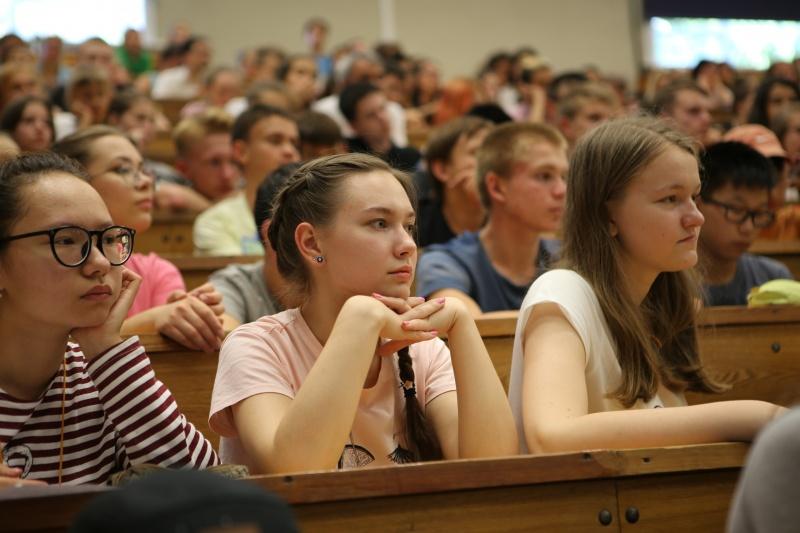 Школьницы из Железногорска исследовали жизнь АЭС после остановки реактора