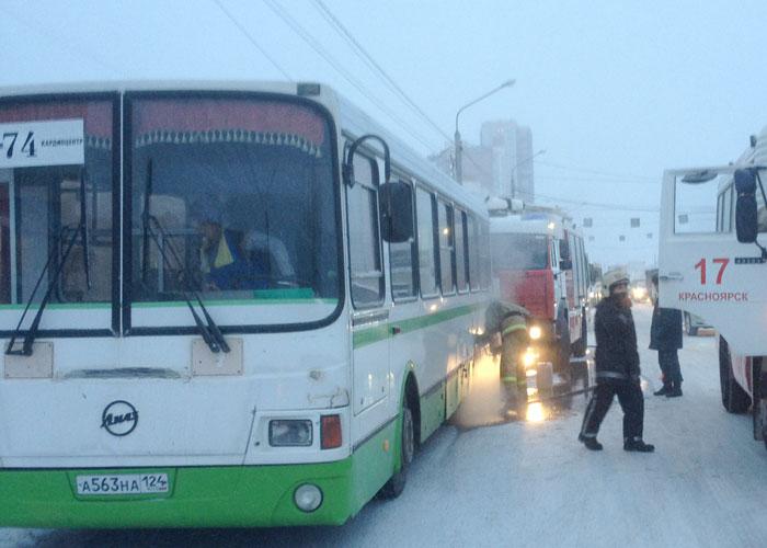 ЧПвКрасноярске: автобус спассажирами зажегся наостановке