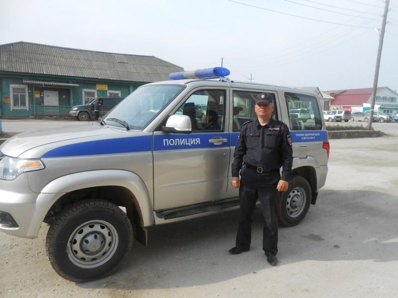 ВКрасноярском крае полицейский спас рыбака, попавшего вловушку из-за ледохода