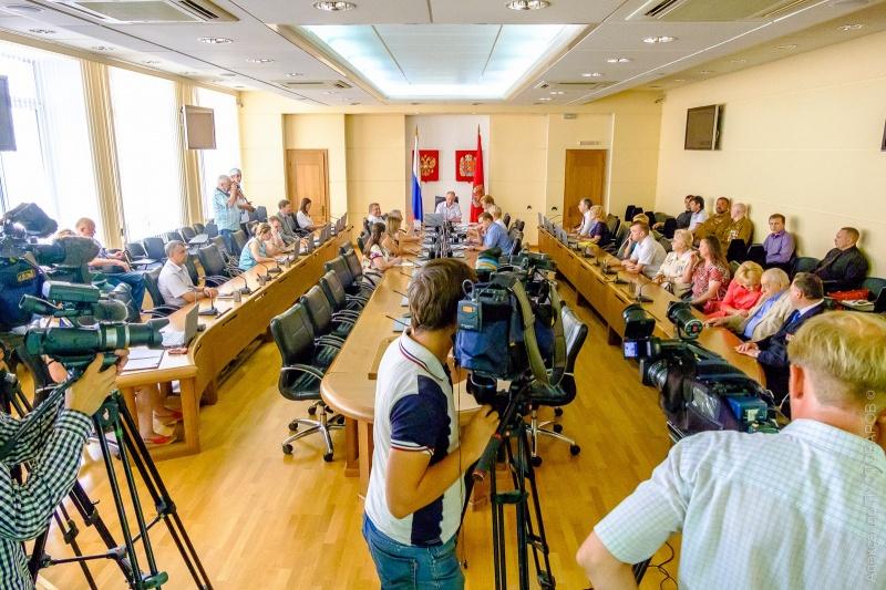 Подведены результаты регистрации претендентов в Государственную думу иЗаксобрание