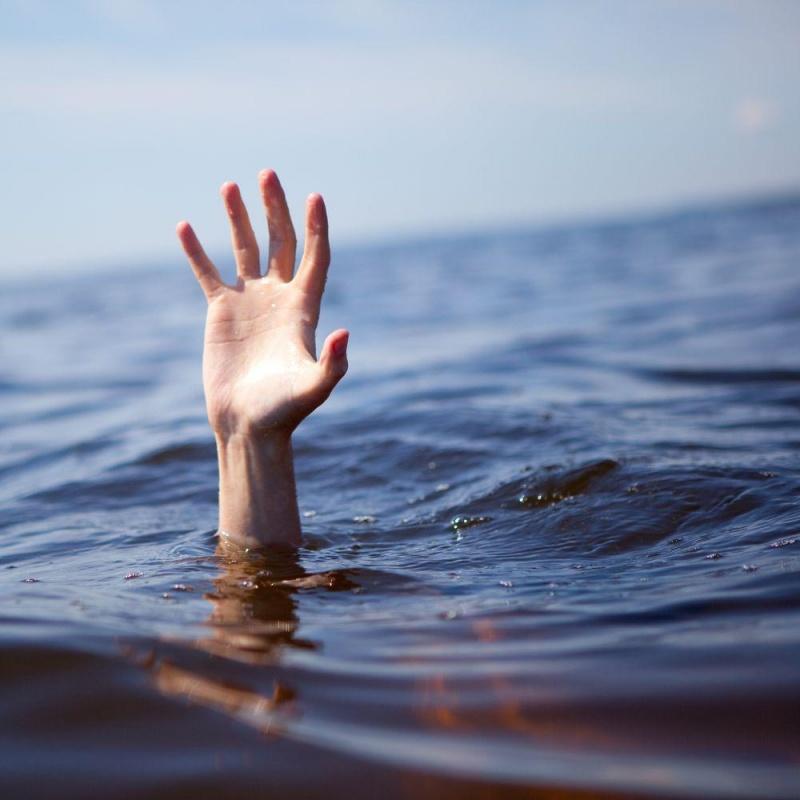 ВКрасноярском крае возере «Базинское-2» потонул непослушный 7-летний парень