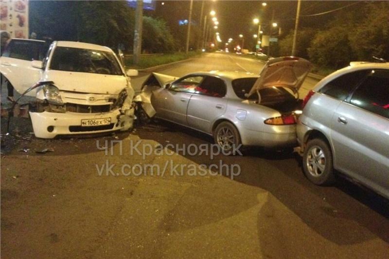 Тройное ДТП с«Тойотами» случилось вКрасноярске