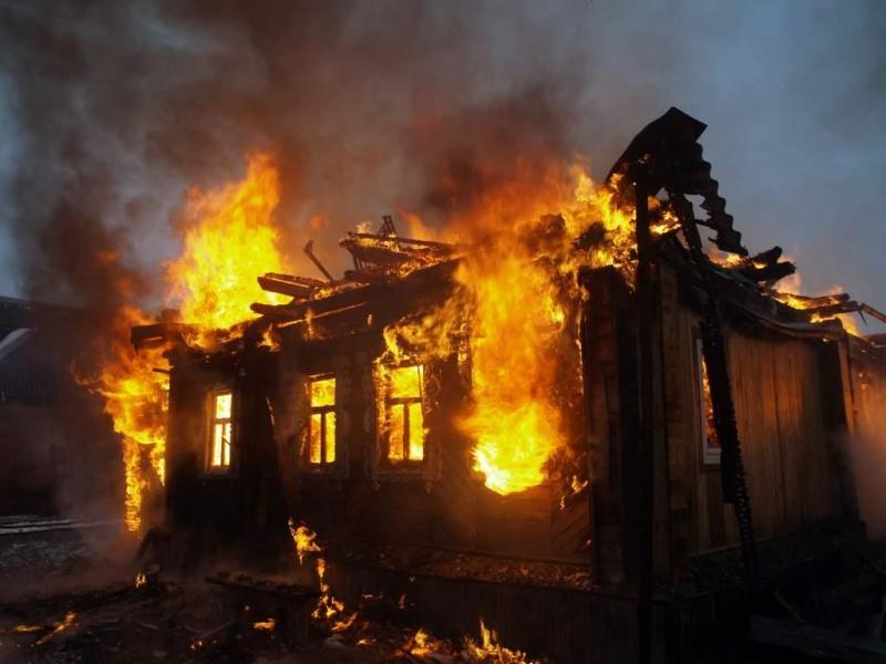 ВКрасноярском крае живьем сгорели трое маленьких детей