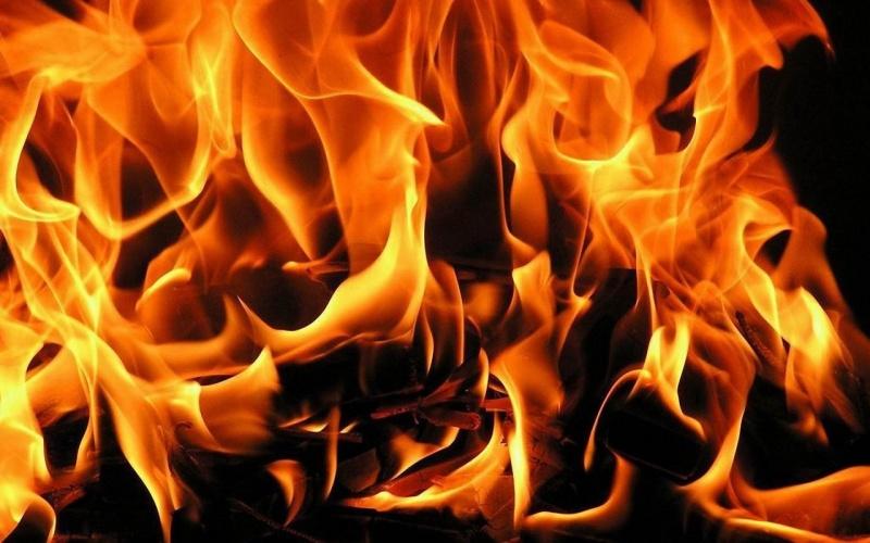 Женщина итрое детей живьем сгорели при пожаре дома наТаймыре