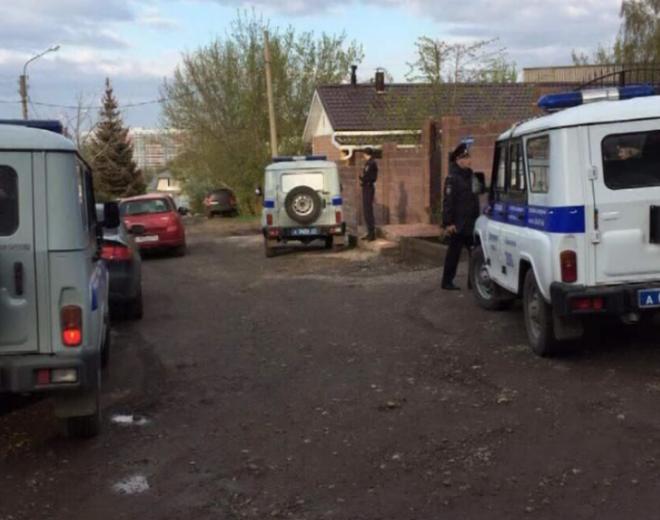 Мужчина савтоматом напал насоседей вКрасноярске из-за парковки