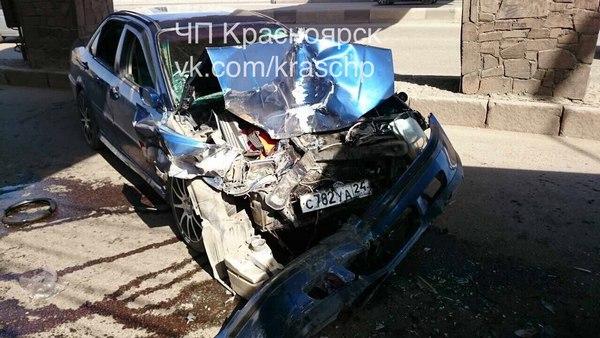 ВКрасноярске нетрезвый автомобилист без прав врезался вавтобус