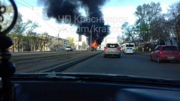 НаКрасрабе зажегся трамвай спассажирами